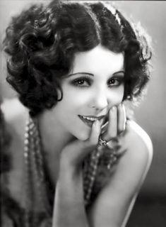 Znalezione obrazy dla zapytania hair in 30s