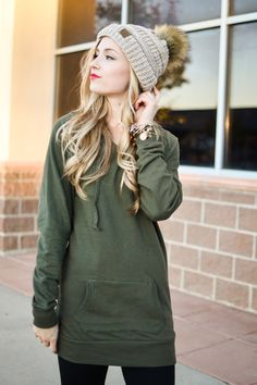 Stylish and Comfy: Women's Extra-Long Hoodie Every woman needs a go-to hoodie in her wardrobe. The problem with most hoodies, however, is that they are too short. Who has time to worry about it riding