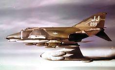 F-4E of the 34th TFSq, 388 TFWg, Korat RTAFB, 1972.