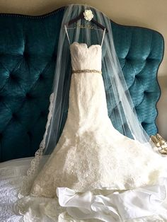 Monique Lhullier bliss gown on etsy hanger @grandbohemianorlando