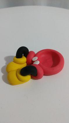 Porta docinhos Mickey, modelado a mão.