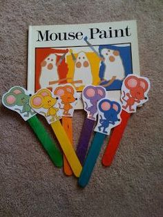:) Preschool Printables: Free Mouse Paint Puppet Sticks helps to evaluate the understanding of a story or the retelling. Preschool Colors, Preschool Literacy, Preschool Education, Preschool Printables, Literacy Activities, Preschool Activities, Literacy Bags, Education College, Early Education