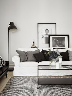 The perfect black, white and grey apartment. Entrance,
