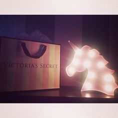#unicorn#victorias'secret#pink#teamunicorn#lights#shopping