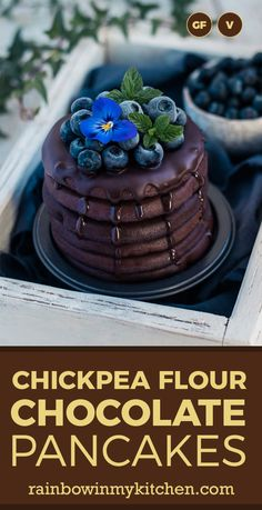 Healthy high-protein chickpea flour chocolate pancakes with gingerbread spices. Extremely delicious, vegan, and gluten free. Chickpea Flour Pancakes, Lentil Flour, No Flour Pancakes, Gluten Free Pancakes, Protein Pancakes, Pancakes And Waffles, Easy Chocolate Desserts, Chocolate Pancakes, Dairy Free Chocolate