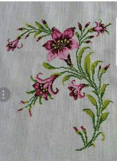 This Pin was discovered by Beh Cross Stitch Heart, Cross Stitch Borders, Cross Stitch Flowers, Cross Stitch Designs, Cross Stitching, Cross Stitch Patterns, Towel Embroidery, Embroidery Flowers Pattern, Hand Embroidery Stitches