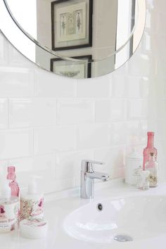 Bathroom accessories in soft kisses of pink complement a inspired by romance Pantone 2016, Pantone Color, Bath Tiles, Color Of The Year, House Colors, Bathroom Accessories, Natural Wood, Color Pop, Colours