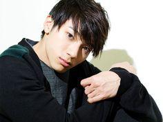 義理人情に厚いヤンキーたちの日常を描いた人気コミックが「ガキ☆ロック~浅草六区人情物語~」として実写ドラマ化。キーパーソンを演じる山田裕貴が、俳優を目指したきっかけからデビュー当時を振り返る。