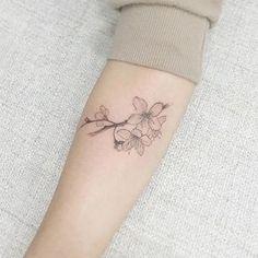 60 Tatuagens de Flor de Cerejeira - Fotos Lindas