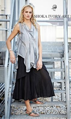 APU-S05 CLOW NECK BLOUSE IN DISTRESSED SILVER.