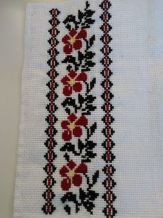 Crochet Flower Squares, Crochet Flowers, Cross Stitch Designs, Cross Stitch Patterns, Hand Embroidery Design Patterns, Diy Crafts For Adults, Cross Stitch Flowers, Cross Stitch Embroidery, Smocking
