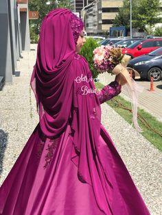 Muslimah Wedding Dress, Wedding Hijab, Bridal Hijab Styles, Bridal Dresses, Pakistani Bridal Lehenga, Hijab Gown, Hijab Style Tutorial, Hair Up Styles, Hijab Fashion