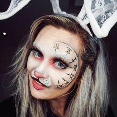 Alice In Wonderland Makeup, Alice In Wonderland Rabbit, Alice In Wonderland Characters, Wonderland Costumes, Wonderland Party, Alice Halloween, Halloween Makeup Looks, Halloween Make Up, Halloween Costumes