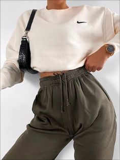 Barbara Oversized Fleece Joggers In Khaki Source by salonidoshi outfit. - Barbara Oversized Fleece Joggers In Khaki Source by salonidoshi outfits Source by Elfr - Cute Lazy Outfits, Retro Outfits, Stylish Outfits, Stylish Clothes, Stylish Girl, Winter Fashion Outfits, Look Fashion, Fall Outfits, Diy Outfits