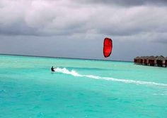 Kiteboarding in Anatara Dhigu, Maldives
