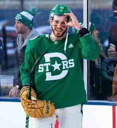 Hockey Obsessed — X Stars Hockey, Ice Hockey Teams, Hockey Mom, Field Hockey, Hockey Players, Soccer, Hockey Stuff, Patrick Kane Hockey, Hockey Girlfriend
