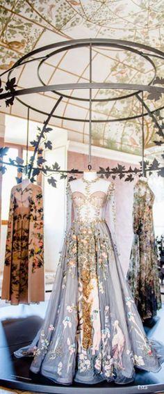 STUNNING VALENTINO WEAR | Valentino - Inna Erten | www.bocadolobo.com/ #luxurybrands #luxurylifestyle #exclusive
