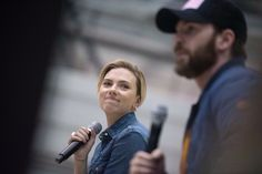find someone who looks at you the way scarlett looks at chris