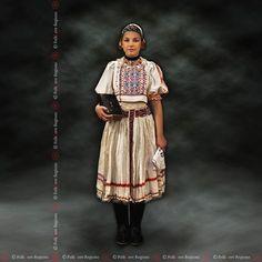 DačovLom, Slovakia Fashion Wear, I Love Fashion, Folk Costume, Costumes, Folk Embroidery, Ethnic Fashion, Sari, Culture, Travelling