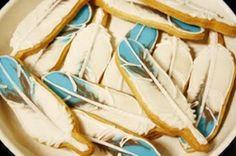 feather cookies by aurelisabel