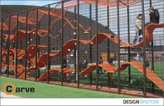 Vertical urban play structure Wall-holla by Carve / DESIGNSPOTTER.COM