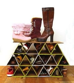 Make a SUPER space saving and sturdy DIY shoe rack from cardboard for FREE! It holds more shoes than most closet shoe storage racks. Great for small space and flexible mobile life style! - A Piece of Rainbow Shoe Storage Rack, Diy Shoe Rack, Diy Storage, Storage Ideas, Shoe Racks, Diy Shoe Organizer, Shoe Organiser, Closet Organization, Storage Boxes