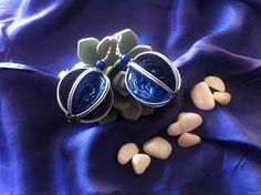 Boucles d'oreilles en capsules Nespresso recyclées, bleues.