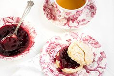 """Berry Delicious Balsamic and Black Pepper Jam - easy and beautiful jam recipe, makes small jars without need to """"can"""". Strawberry Balsamic, Strawberry Juice, Black Raspberry Recipes, Cake Stall, Pickled Eggs, Dessert Dips, Jam And Jelly, Jam Recipes, Cupcake Cakes"""