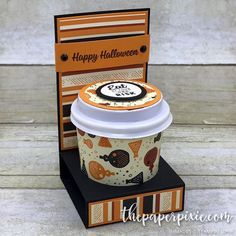 Mini Coffee Cup & Gift Card Holder - The Paper Pixie Happy Halloween, Halloween Tags, Halloween Party, Halloween Crafts, Mini Coffee Cups, Coffee Cup Holder, Coffee Cup Crafts, Coffee Gifts, Gift Cards Money
