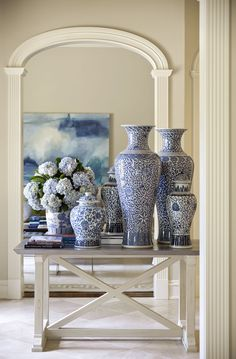 Shadow Valley - Tobi Fairley Interior Design how to use blue white vases and ginger jars for your entry hall table Home Design, Interior Design, Blue And White China, Blue China, Blue Yellow, Shadow Valley, Chinoiserie Chic, Ginger Jars, White Decor