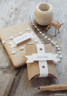 Christmas Gift Wrapping Ideas for Everyone on Your List: Punched Tags and Twine by I Fall in Chocolate Wrapping Ideas, Creative Gift Wrapping, Creative Gifts, Wrapping Gifts, Brown Paper Wrapping, Pretty Packaging, Gift Packaging, Noel Christmas, Christmas Gifts
