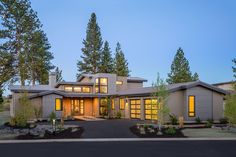 Contemporary Style House Plan - 4 Beds 3.5 Baths 3217 Sq/Ft Plan #892-10 Exterior - Front Elevation - Houseplans.com