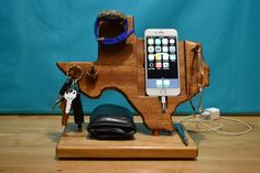 Texas State outline iPhone Dock  Watch, Valet, Glasses Gift for Him – iPhone 4, 5, 6, 6 Plus any Android Phone by MasterWorks888 on Etsy