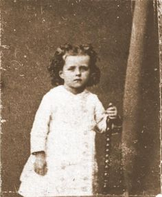 iheartbeingacatholic:  St Therese of Liseux at age 3. This picture was taken on July 16 - the feast day of Our Lady of Mount Carmel