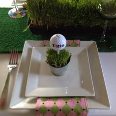 Masters or golf dinner party place cards! How creative!