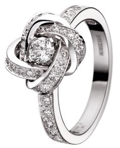 Boucheron-Ava-Pivoine-ring. A love knot promise ring.  Cute!