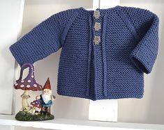 Crochet Patterns Onesie Balina Top Down Cardigan- Baby Knitting pattern by OGE Knitwear Designs Baby Cardigan Knitting Pattern, Baby Knitting Patterns, Baby Patterns, Crochet Patterns, Pull Bebe, Quick Knits, Jacket Pattern, Garter Stitch, Double Knitting