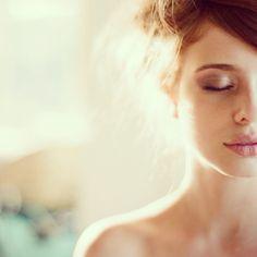 Bridal beauty inspiration. natural looking make up. Dewy eye.