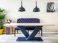 Wij houden van leuke interieur ideeen, zoals deze! Massief houten tafel met een industrieel onderstel.