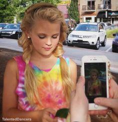 "Jojo Siwa From her song with MattyB ""Missing You"" Dance Moms Dancers, Dance Mums, Dance Moms Girls, Jojo Juice, Jojo Siwa Hair, Watch Dance Moms, Dibujos Tumblr A Color, Jojo Bows, Show Dance"