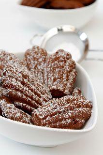 CosebuonediAle: madeleines di grano saraceno con cacao e uvetta