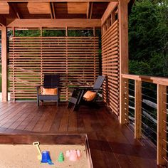 Wood Deck Railing Design Ideas, Pictures, Remodel, and Decor - page 27 - Modern Design Cheap Privacy Fence, Privacy Fence Designs, Backyard Privacy, Backyard Patio, Pergola Garden, Garden Privacy, Privacy Wall On Deck, Deck Privacy Screens, Privacy Panels