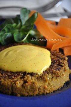 Two blondes within the kitchen: Lentil burger with saffron sauce Veg Recipes, Light Recipes, Wine Recipes, Italian Recipes, Vegetarian Recipes, Cooking Recipes, Healthy Recipes, I Love Food, Good Food