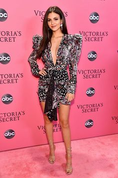 Victoria Justice Photos - Victoria Justice attends the Victoria's Secret Fashion Show at Pier 94 on November 2018 in New York City. - 2018 Victoria's Secret Fashion Show in New York – Show Pink Carpet Arrivals Victoria Justice, Moda Victoria Secret, Victoria Secret Fashion Show, Victoria's Secret, Vicky Justice, Pink Carpet, Vs Fashion Shows, Plunge Dress, Victoria Dress