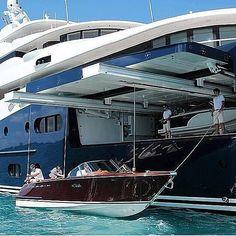 Parking boat in yacht Riva Boat, Yacht Boat, Yacht Design, Boat Design, Speed Boats, Power Boats, Bateau Yacht, Boat Dealer, Buy A Boat