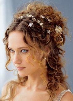 félkontyok+-+esküvői+frizura+-+félkonty