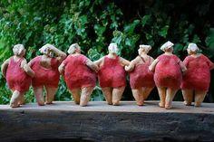Frauenfiguren in Keramik – Kunst und Bilder Female figures in ceramics – art and pictures Sculptures Céramiques, Paper Mache Sculpture, Sculpture Art, Ceramic Clay, Ceramic Pottery, Paper Clay, Paper Art, Plus Size Art, Toy Art