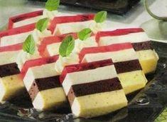 Ptasie mleczko Cold Desserts, Fancy Desserts, Sweet Recipes, Cake Recipes, Dessert Recipes, Pineapple Coconut Bread, Impressive Desserts, Sweets Cake, Polish Recipes