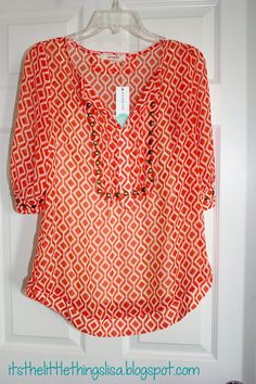 I love the color and style of this shirt. It would be great for work. I would love to have it in my stitch fix.