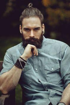 Hot Man Bun Hairstyles For Guys (38)